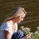 Wild Daisies and Jilly by barnsis