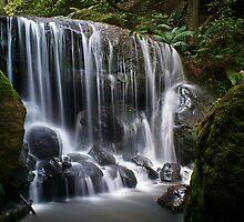 Lurinda Falls by peter  jackson