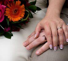Wedding Hands by malinakphoto