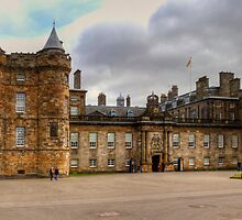 Holyroodhouse by Tom Gomez