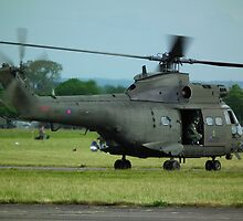 Aerospatiale Puma HC1 by mike  jordan.