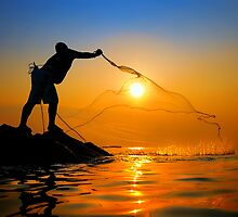 Fisherman catch the sun by joeziz