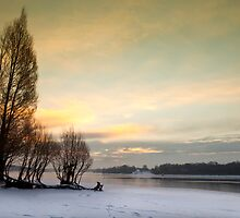 Cold Dawn - Bewl Water, East Sussex, UK by Platslee