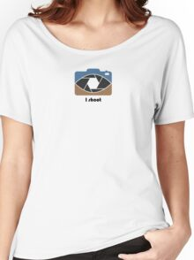 I shoot - blue/brown Women's Relaxed Fit T-Shirt
