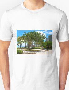 Waikiki Beach, Honolulu Oahu - HAWAII T-Shirt