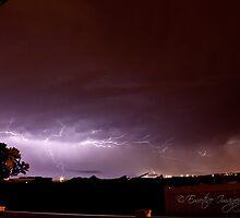 Hawaiian Lightning 2 by EmotiveImagery