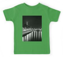 Eiffel Tower overview - panorama (Black & White) Kids Tee
