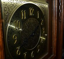 grand father clock  by solomon  roberts