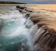 Flow at the Cove by joel Durbridge