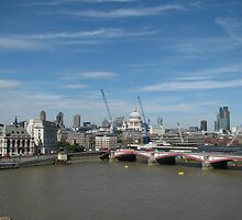 St. Paul's Cathedral from Oxo Tower by Andre090904