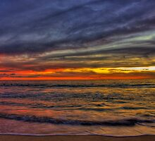 Next Wave In - HDR by Heather Linfoot