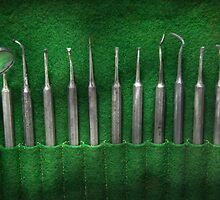 Dentist - The kit by Mike  Savad