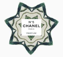 Chanel no. 5 Paris T-Shirt