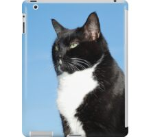 Mature black and white cat iPad Case/Skin