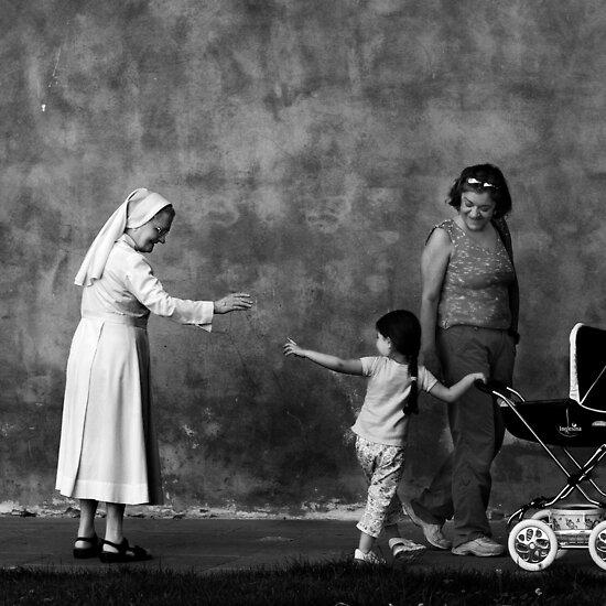Street Photography: Arrivederci by Zoltan Madacsi