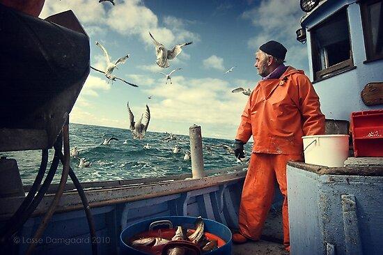 Street Photography: Peter Jacobi - III by Lasse Damgaard