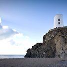 Llanddwyn Island, Lighthouse by lee kerr