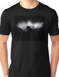 B&W photo, Insect on a white flower.Silent Unisex T-Shirt