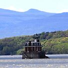 Esopus Lighthouse by CMCetra