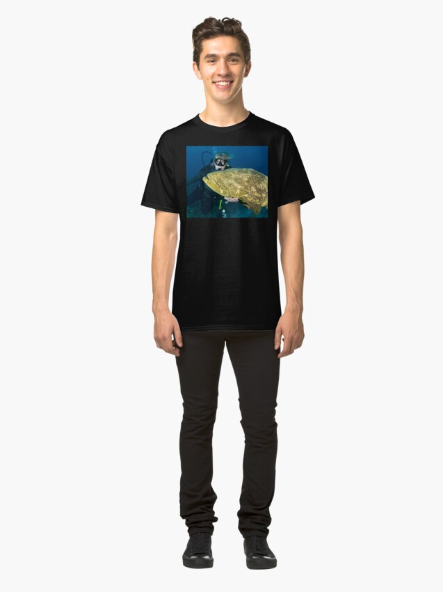 Alternate view of Chris petting a Goliath Grouper Classic T-Shirt
