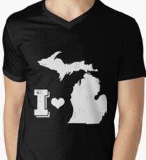 I heart Michigan Men's V-Neck T-Shirt