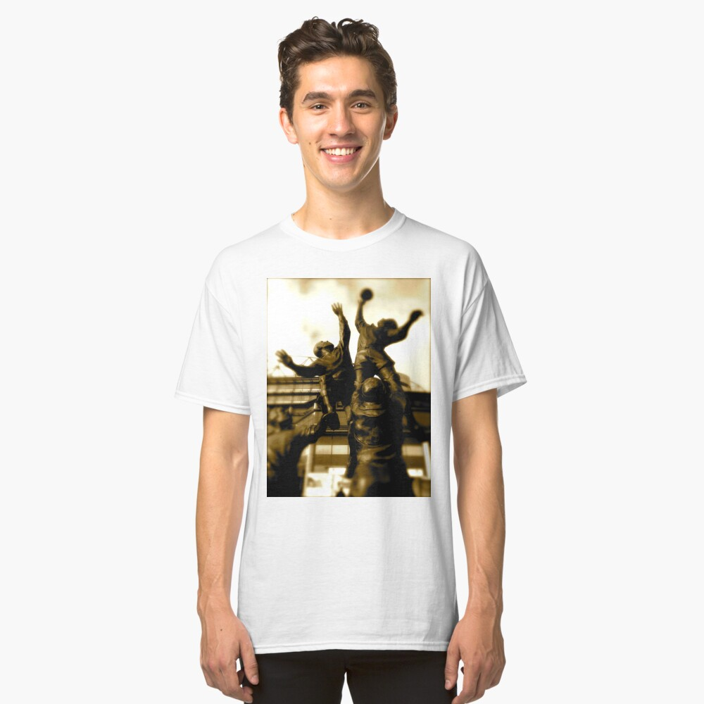 Line out Classic T-Shirt