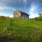 Old Barn on Hill by RandiScott