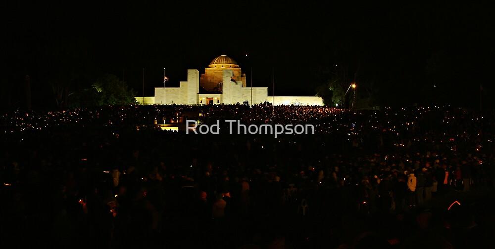 Australian War Memorial - ANZAC Dawn Service 2009 by Rod Thompson