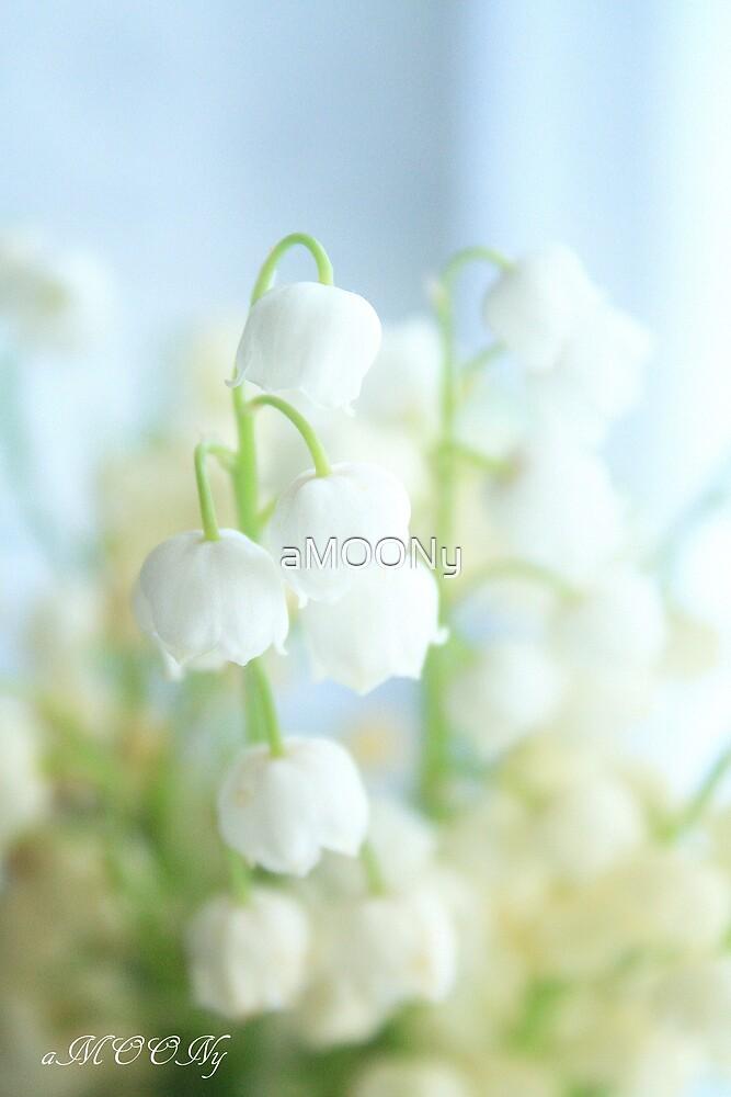 Tiny,white and fragrant by aMOONy