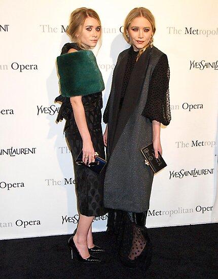 Ashley Olsen and Mary Kate Olsen by xoxovisuals