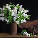 white lilac by dagmar luhring