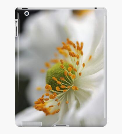 White Anemone iPad Case/Skin