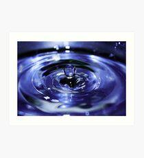Fast shutter speed water droplet Art Print
