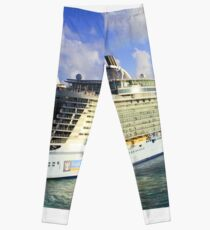The current largest cruise ship on the sea! Leggings