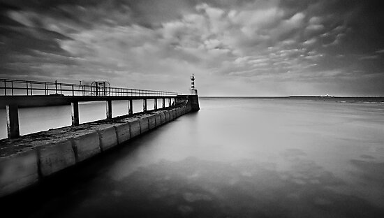Long Pier by james  thow