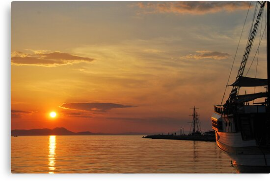mellow harbour sunset by dinghysailor1