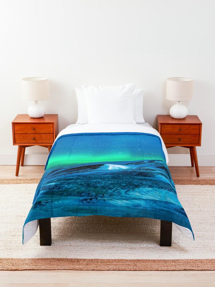 Alternate view of Aurora borealis Comforter