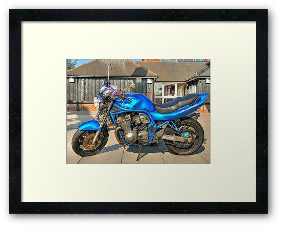 Suzuki Bandit N600 by Sharon Brown
