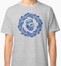 Spruce wreath with Bembel tendril swing Classic T-Shirt