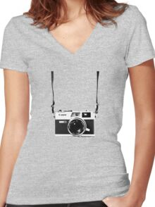Vintage 35mm Rangefinder Camera Canon Canonet QL17 GIII Women's Fitted V-Neck T-Shirt