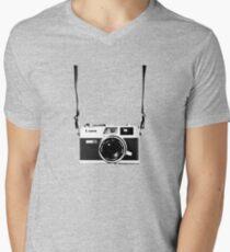 Vintage 35mm Rangefinder Camera Canon Canonet QL17 GIII Men's V-Neck T-Shirt