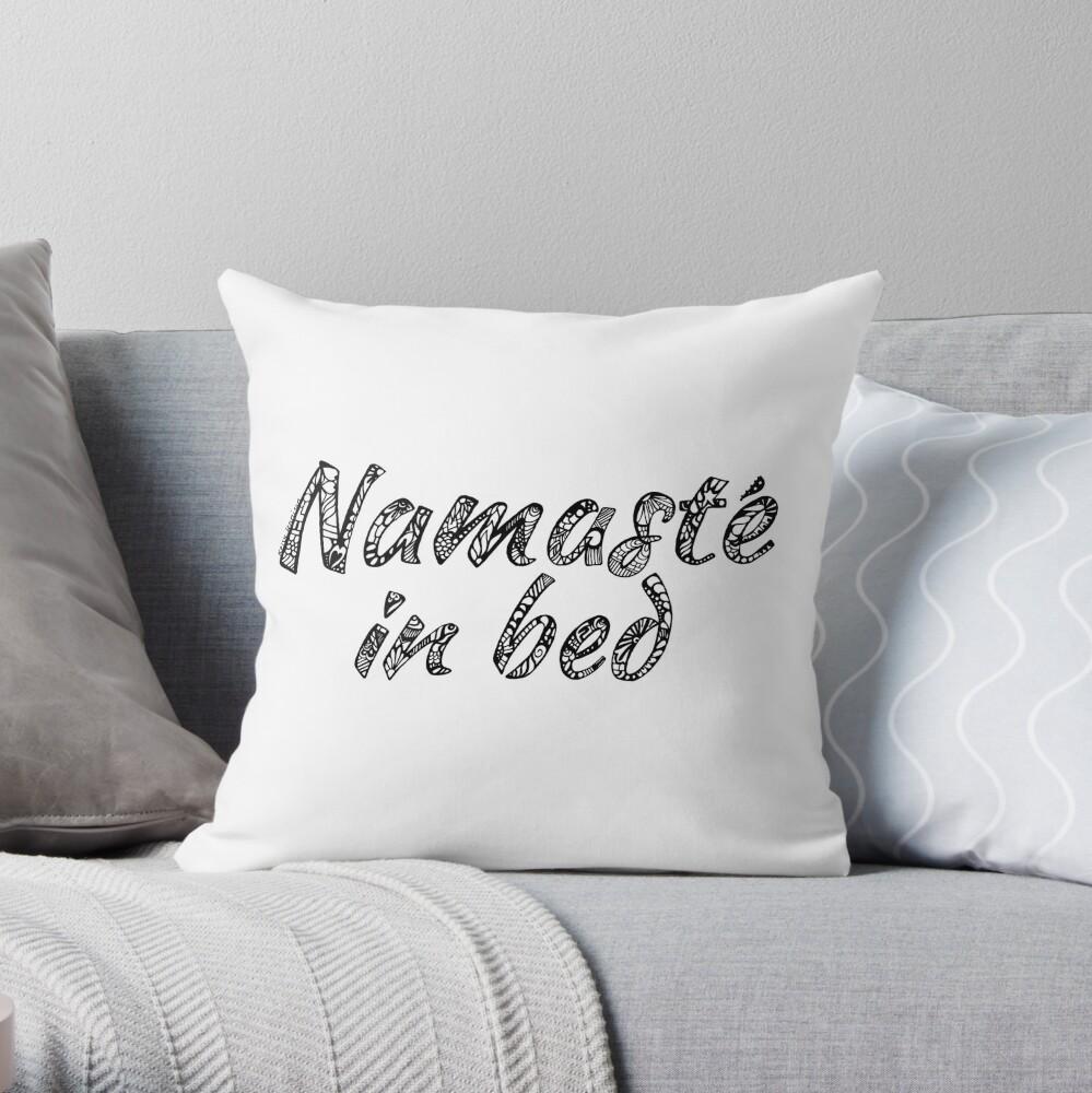 Namaste im Bett Dekokissen