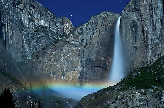 Yosemite Falls Moonbow by MattGranz