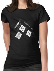 Doctor Who – The TARDIS Womens Fitted T-Shirt