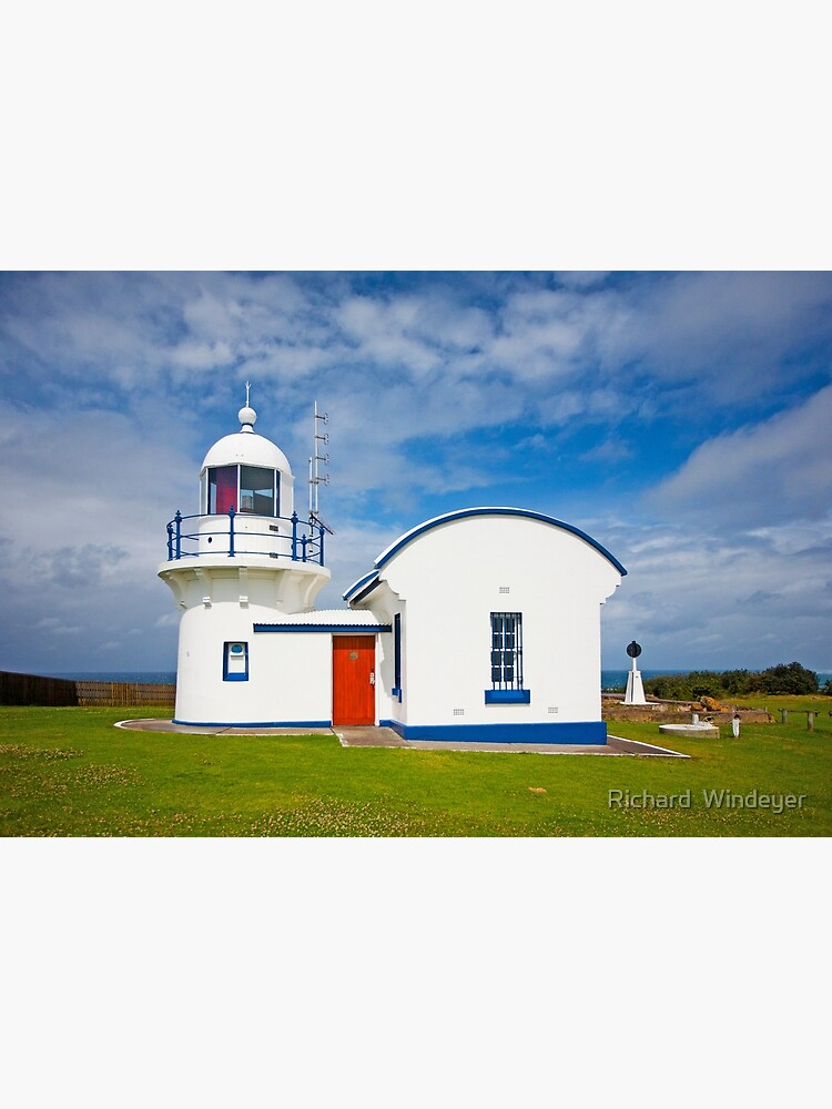 Crowdy Head Lighthouse, NSW by RICHARDW