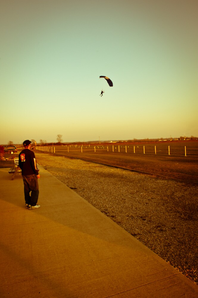 Sky Dive Landing by petitejardim