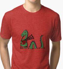 Lustiges Loch Ness Monster, das Dudelsäcke spielt Vintage T-Shirt