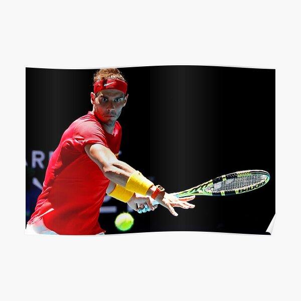 Rafael Nadal enfocándose en la pelota Póster