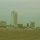 Skyline at the beach by Debja