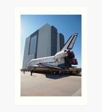 Atlantis arriving at the VAB Art Print